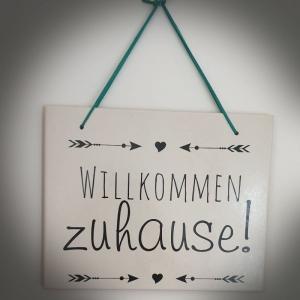Fliese ♥Willkommen zuhause!♥ 25x20cm als Wanddekoration oder zum Hinstellen - Handarbeit kaufen