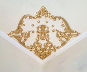 Traumhafte Stuck Ecke für die Decke in weiß, gold, silber.. Variante 13 - Handarbeit kaufen