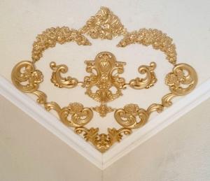 Traumhafte Stuck Ecke für die Decke in weiß, gold, silber.. Variante 24 - Handarbeit kaufen