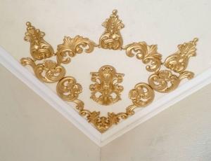 Traumhafte Stuck Ecke für die Decke in weiß, gold, silber.. Variante 25 - Handarbeit kaufen