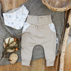 Set Baby Pocket Pants & passendes Halstuch aus Jersey -Mountains- Gr.68
