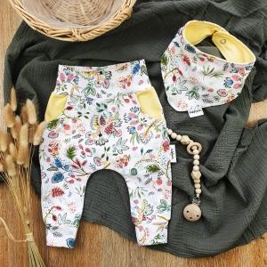 Set Baby Pocket Pants & passendes Halstuch aus Jersey -Erdbeerbeet- Gr.68  - Handarbeit kaufen