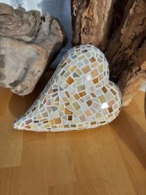 Glasmosaik Herz creme Mosaik 14,5 x 20 x 8,5 cm Gartendeko Deko Geschenk beige - Handarbeit kaufen
