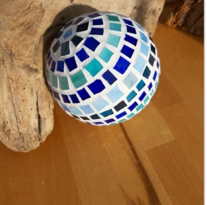 blaue Kugel 12cm Mosaik Dekokugel schwimmt Gartenkugel Rund Tiffany Teichdeko handmade - Handarbeit kaufen
