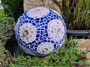 Mosaik Kugel 20cm blau rosé Blumen Dekokugel Blütenkugel Gartendeko bunt
