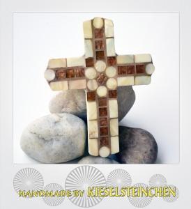Kreuz mit Mosaiktechnik