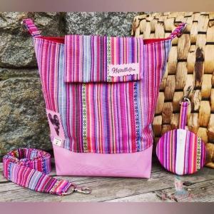 Handgefertigte Umhängetasche COLLIE im Mexico Style aus Canvas- und Nylonstoff in Größe 24x20 cm - Handarbeit kaufen