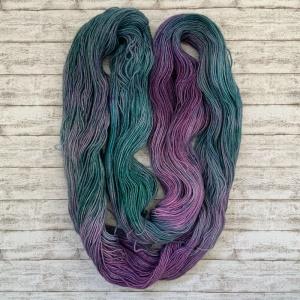 handgefärbte Sockenwolle (75% Wolle [Merino], 25% Polyamid)