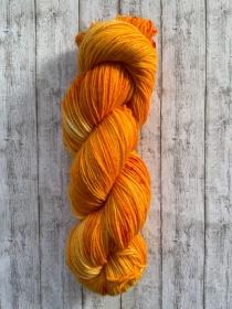 Fröliche Sockenwolle: deutsche Sockenwolle in knalligen Orangetönen