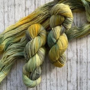 Fröliche Sockenwolle: Handgefärbte Deutsche Sockenwolle: Kräutergarten