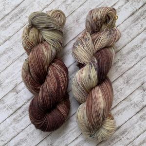 Fröliche Sockenwolle: Handgefärbte Sockenwolle: Waldboden