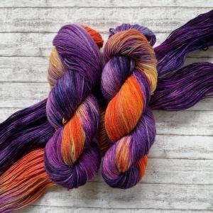 Fröliche Sockenwolle: Handgefärbte Sockenwolle Schmetterling