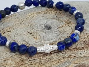 Ein Armband aus Lapislazuli , dem königlichen Edelstein. - Handarbeit kaufen