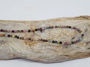 Feine Halskette aus Regenbogen Turmalin für zarte Frauen - Handarbeit kaufen