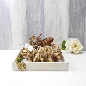 Gesteck, Tischgesteck, herbstlich, Holzkranz auf Tablett, Tischgesteck mit Ästen - Handarbeit kaufen