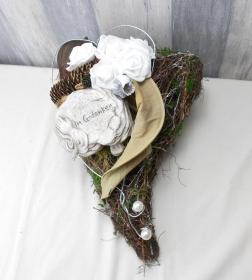 Grabgesteck, Herz mit weißen Rosen, Grabschmuck, Trauerfloristik, Trauergesteck,  - Handarbeit kaufen