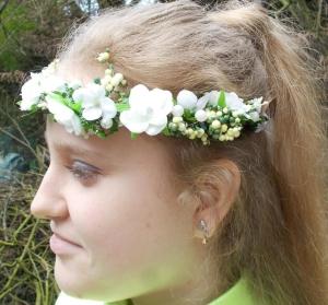 Haarschmuck, Blumenkränzchen, Kommunion, weiß Kopfschmuck, Kranz für ´s Haar - Handarbeit kaufen