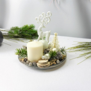 Adventsgesteck, weiß mit Kerze und Hirsch, edel, Weihnachtsdeko