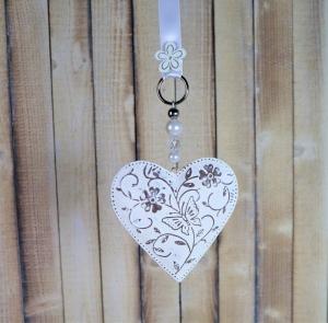 Fensterdeko, Herz weiß grau, mit Schmetterling, Landhausdeko - Handarbeit kaufen