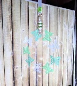 Fensterdeko, Metallkranz mit Schmetterlingen, groß, blau weiß grün - Handarbeit kaufen