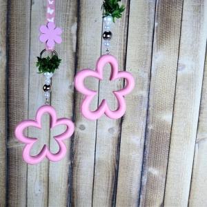 Fensterdeko, Holz Blüte rosa, Landhausstil - Handarbeit kaufen