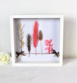 Trockenblumendeko, Trockenblumenarrangement, Bilderrahmen mit Trockenblumen - Handarbeit kaufen