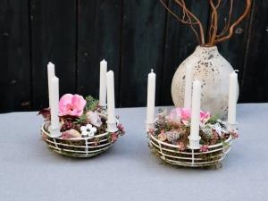 Tischgesteck mit Kerzen, Gesteck, Tischdeko, Landhausstil - Handarbeit kaufen