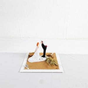 Geldgeschenk Hochzeit, Hochzeitsgeschenk, mit süßem Brautpaar, braun weiß - Handarbeit kaufen