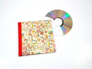 CD / DVD Hülle bunt Buchbindehandwerk von Pappelapier