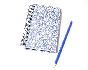 Notizbuch blau DIN A6 mit Spiralbindung Buchbindehandwerk von Pappelapier - Handarbeit kaufen
