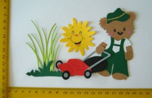 Stanzteil  Kartendeko  Kartenschmuck Scrapbooking Kindergeburtstag Teddy beim Rasenmähen - Handarbeit kaufen