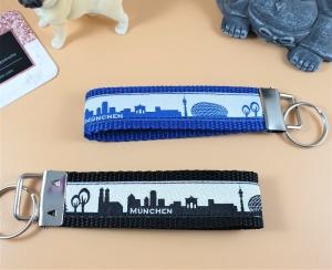 Schlüsselanhänger ♡München♡ in 2 Farben mit Klemmschließe - Handarbeit kaufen
