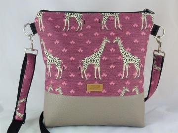 Umhängetasche in bordeaux mit Giraffen, Schultertasche - Handarbeit kaufen