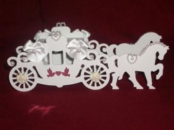 Gastgeschenke Kutsche Hochzeitskutsche Kartonagen Bonbonieren