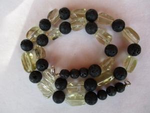 Halskette aus Lemoncitrin und Lava der Karabinerverschluss ist aus 925 Silber - Handarbeit kaufen