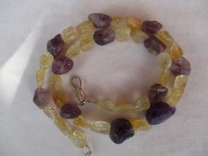 Halskette aus Citrin und Amethyst Kristallen mit einem handgefertigten Hakenverschluss aus Silber - Handarbeit kaufen