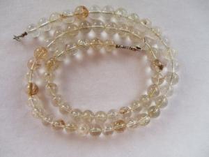 Halskette aus Bergkristall mit einem Karabinerverschluss aus Silber - Handarbeit kaufen