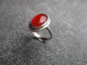 Handgefertigter Ring aus Silber 925 mit einem 14x10 mm großen Karneol - Handarbeit kaufen