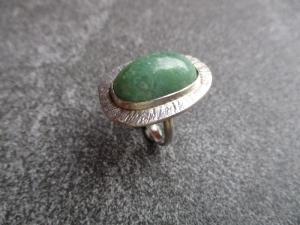 Ring aus 925 Silber, ca. 33x22mm groß, mit einem schönen und eher seltenen australischen Prasem - Handarbeit kaufen