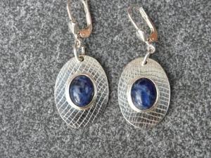 Ohrhänger aus 925 Silber in ovaler Form mit 10x8 mm Sodalith Steinen