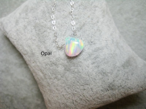 Opalkette, Opal Herz, Jelly Opal, Opal weiß, Goldfilled, Rosegoldfilled, 925 Silber, minimalistisch, Edelstein - Handarbeit kaufen