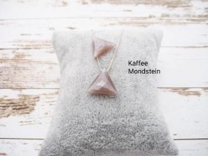 Mondstein-Kette, Kaffee Mondstein, Anhänger Dreieck, natürlich, 925 Silber, Goldfilled, Boxkette, zierlich, minimalistisch, Edelstein - Handarbeit kaufen