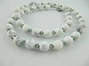Kette und Ohrringe Perlen Howlith Weiß (645) - Handarbeit kaufen