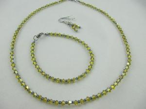 Set Lime/Oliv Kette Armband und Ohrringe (403) - Handarbeit kaufen