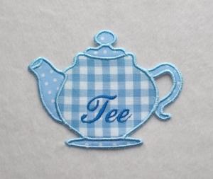 Teekanne, hellblau, Stickapplikation  - Handarbeit kaufen
