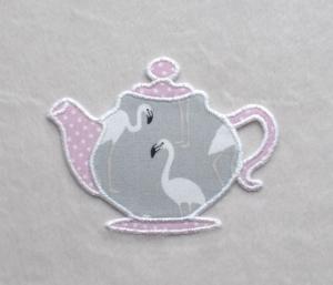 Teekanne, Flamingo hellgrau, Pünktchen, Stickapplikation          - Handarbeit kaufen