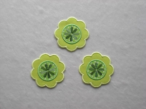 Blumen Nr.1, 3er Set, grün-gelb, Stickapplikation zum Aufbügeln   - Handarbeit kaufen