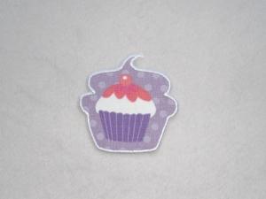 Cupcake mit Kirsche in lila, Nr.1, Stickapplikation zum Aufbügeln                - Handarbeit kaufen