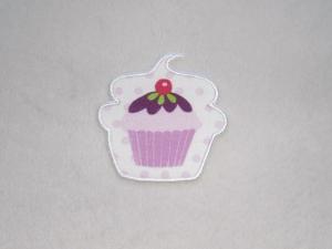 Cupcake mit Kirsche in weiß, Nr.2, Stickapplikation zum Aufbügeln                - Handarbeit kaufen