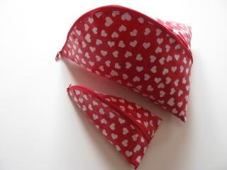 ♥ Mit Liebe genähte große Kulturtasche mit passendem Schminktäschchen aus beschichteter Baumwolle ♥ - Handarbeit kaufen